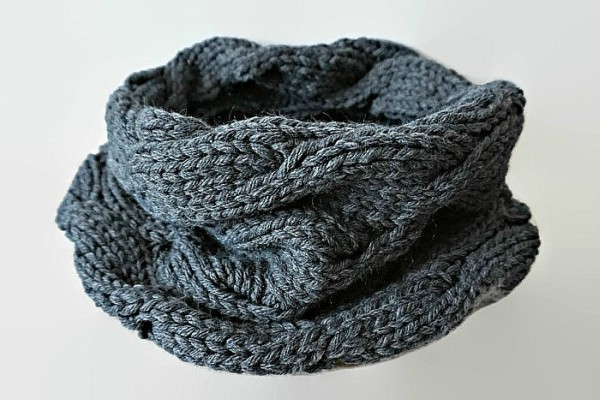How To Knit An Eternity Scarf Feat