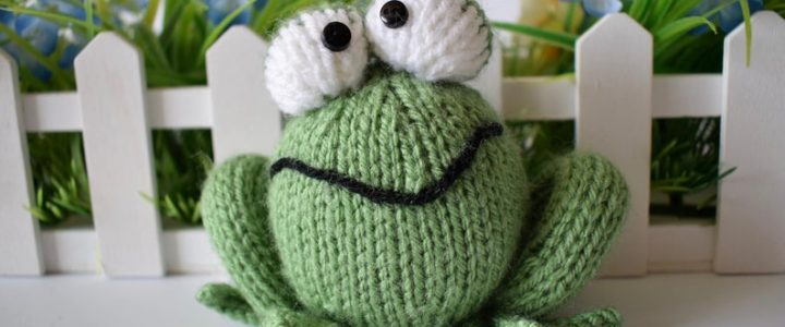 lucky toy Knit Frog Pattern