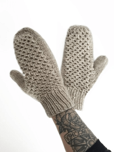 Bit Of Honey Mittens Knitting Pattern by Folk And Fibre Co