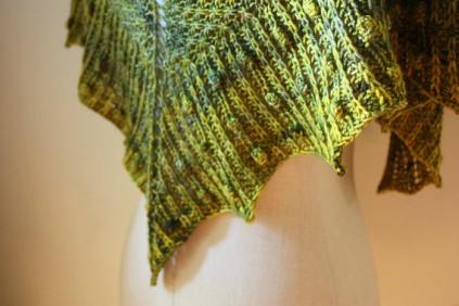 Elegant Shawlette Knitting Pattern