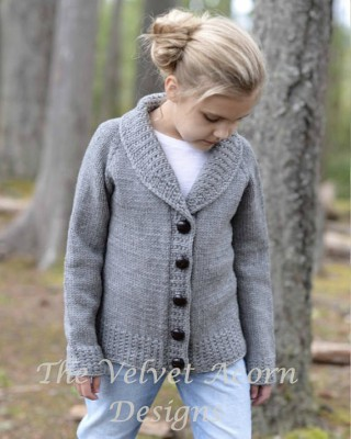 Fashionable Knitted Ladies Cardigan Pattern