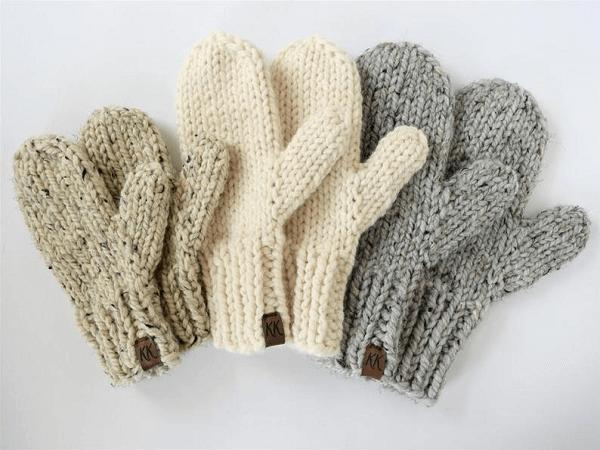 Easy Knit Mitten Pattern by Knifty Knittings