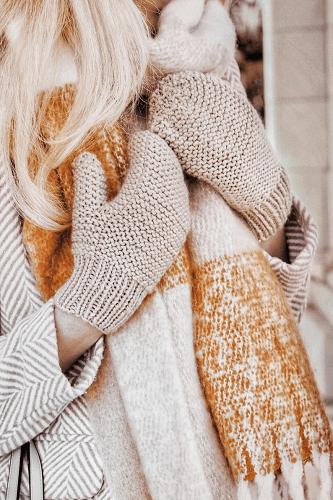 Easy Mittens Knit Pattern by Darling Jadore