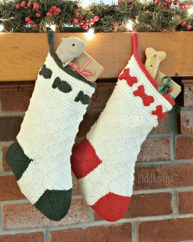 Pet Christmas Stockings Knitting Pattern by Fiddlestyx Studios