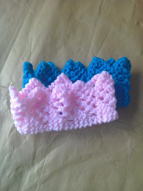 Crown Knitting Pattern by CroftOrchardCrafts