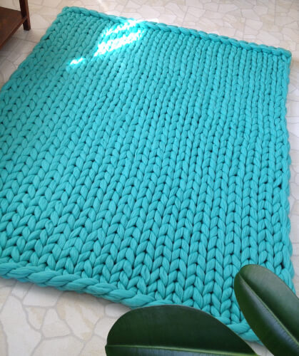 Chunky Blanket Knitting Kit from WoollalaWool