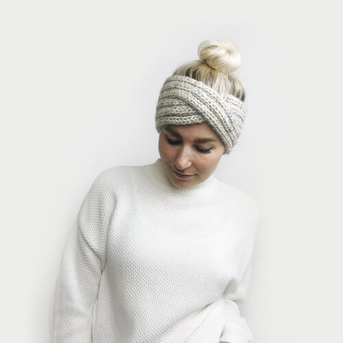 Classic Headband Knitting Pattern from DeBrosseNYC