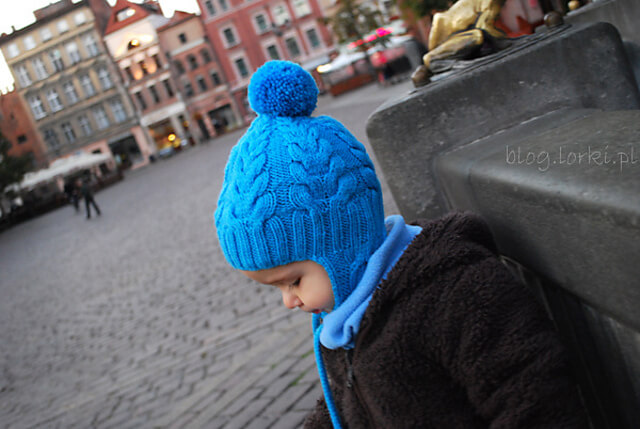 I Heart Cables Knitting Pattern Hat with Ear Flaps by Justyna Lorkowska