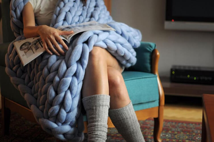The SMALL Kill 3 Hours Box Arm Knit Home Kit