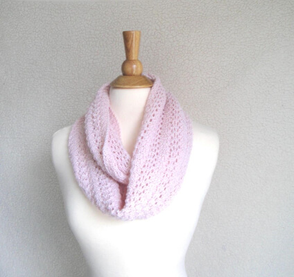 Featherweight Infinity Scarf Knit Pattern by GirlpowerDesigns)