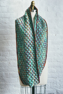 Glorious Cincuenta Cowl by Lisa R. Myers