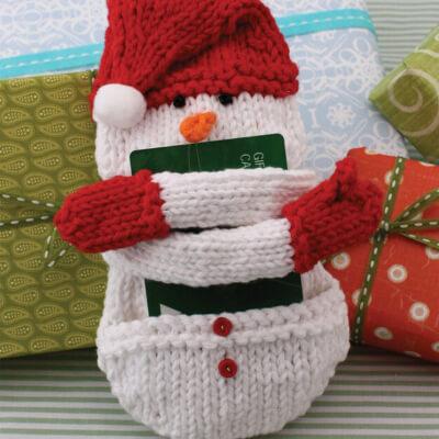 Lily Sugar'n Cream Gift Card Cozy Snowman Free Knitting Pattern from Yarnspirations