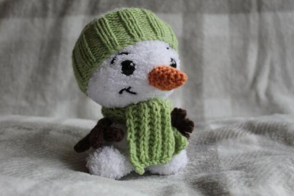 Samson the Snowman Knitting Pattern by CillasPurls