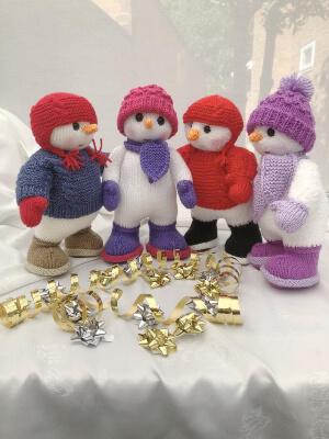 Snuggle the Snowman Knitting Pattern by HuggableBears