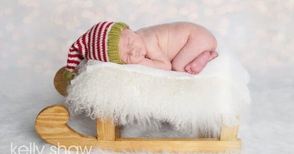 Baby Christmas Knitted Elf Hat Pattern by BlueberryBarnDesigns