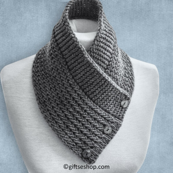Buttoned Scarf Cowl Knitting Pattern by Lanadearg