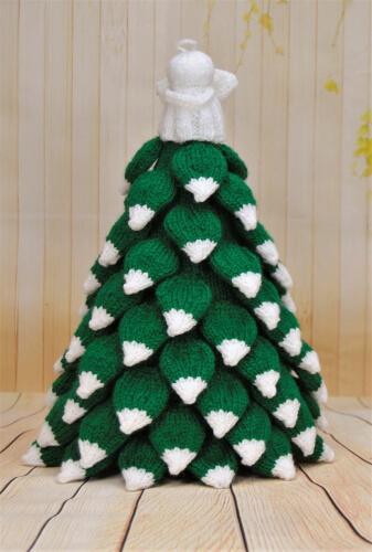 Christmas Tree Knitting Pattern by KnittingByPost