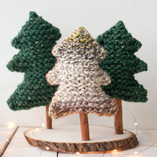 Easy Christmas Tree Knitting Pattern by Gina Michelle