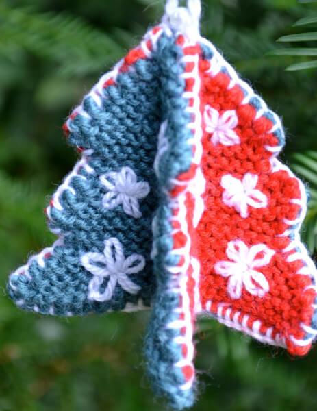 Little Christmas Tree Knitting Pattern by GinxCraft