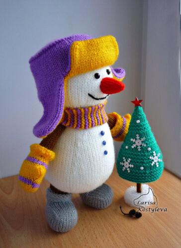 Snowman with a X-mas Tree Amigurumi Doll Pattern by jasminetoys