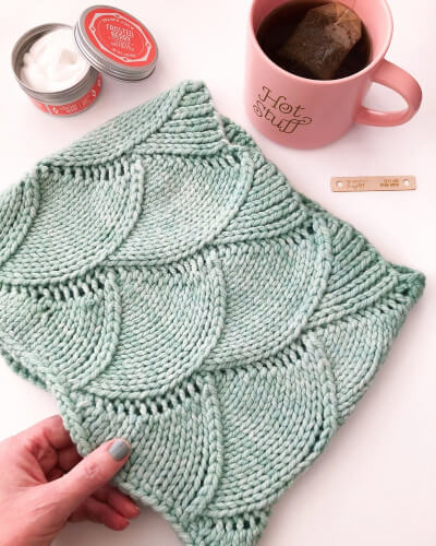 Super Crescent Cowl Scarf Knitting Pattern by AspenLeafKnits
