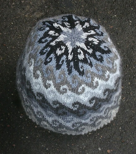 Breaking the Waves Free Beanie Knit Pattern by Gustavs