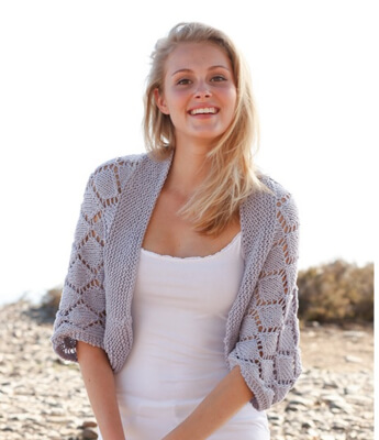 Cassie Free Shrug Knitting Pattern by DROPS Design