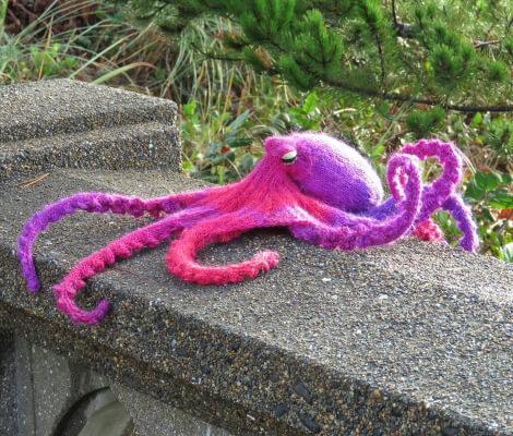 Omniscient Octopus knitting pattern by JoansGarden