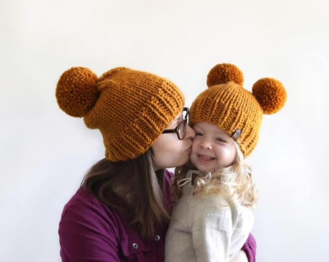 Chunky Pom Pom Newborn Baby Hat Knitting Pattern by KniftyKnittings