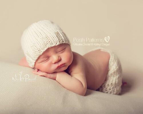 Newborn Baby Hat Knitting Pattern by PoshPatterns
